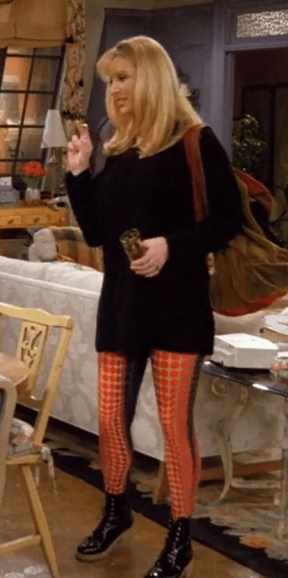 Phoebe Buffay on 'Friends' never shied away from piling on '90s accessories. Here are 6 of her favor...
