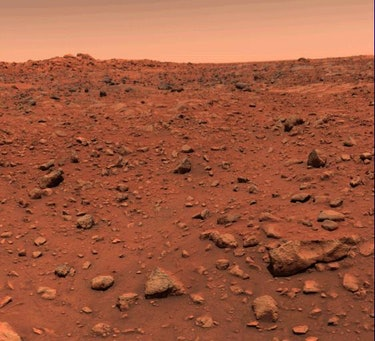 Viking 1 first color photograph of Mars