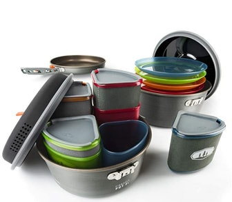 GSI Outdoors, Pinnacle Camper Cooking Set (23 pieces)