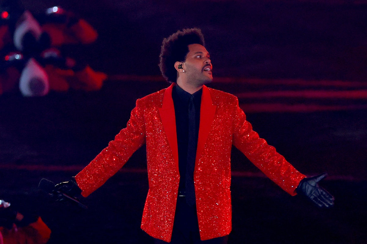 The Weeknd doing his damn thing at the Super Bowl.