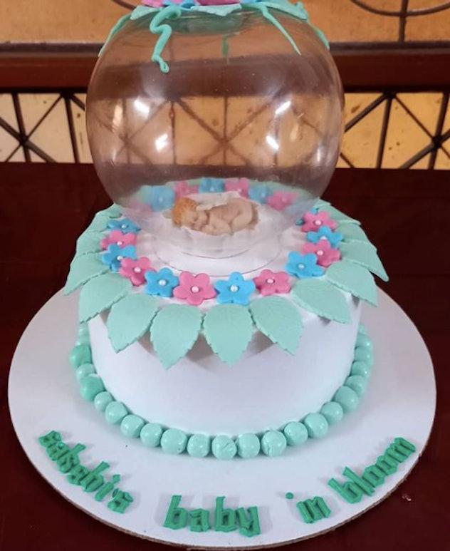 Baby blooming shower cake