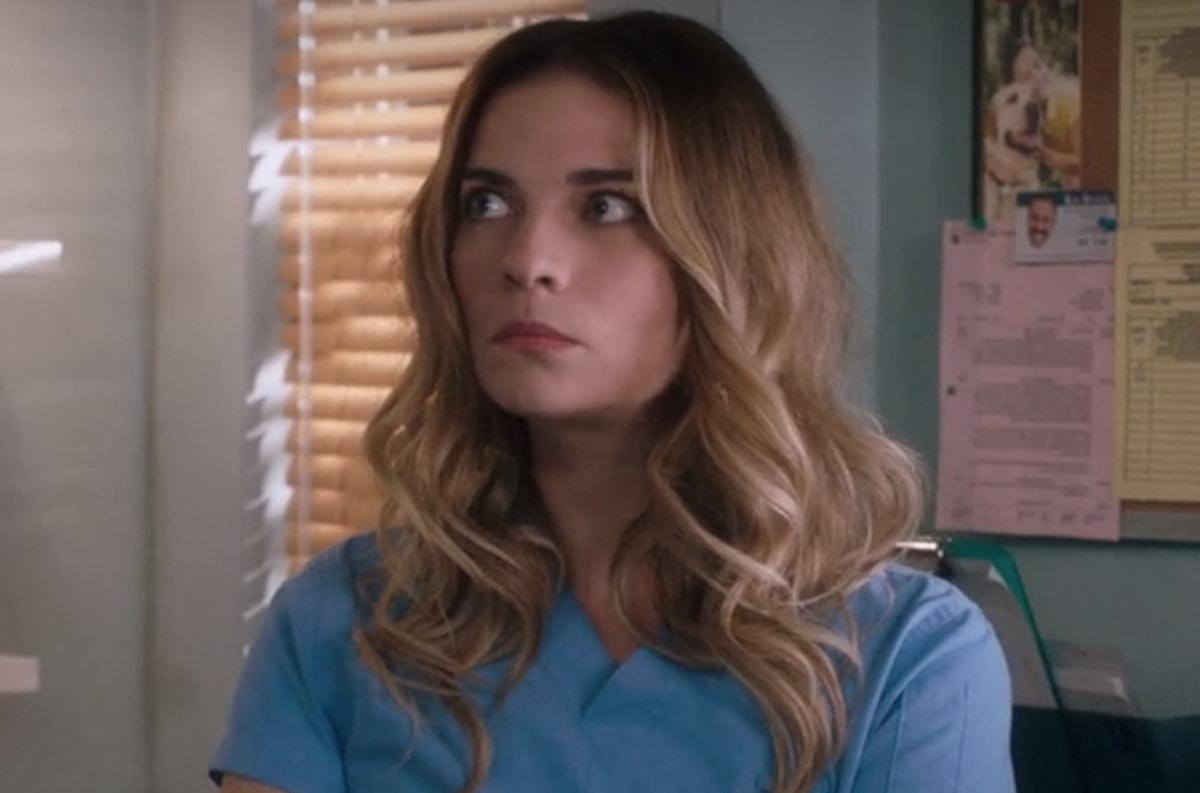 Alexis Rose from 'Schitt's Creek' inspired Tessa Bailey's 'It Happened One Summer'