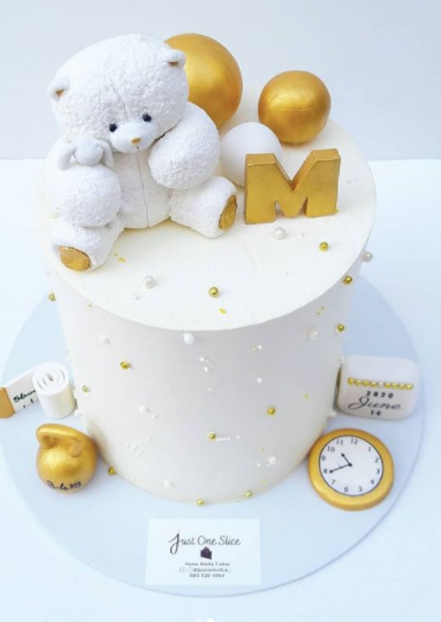 Bear cake with a countdown clock