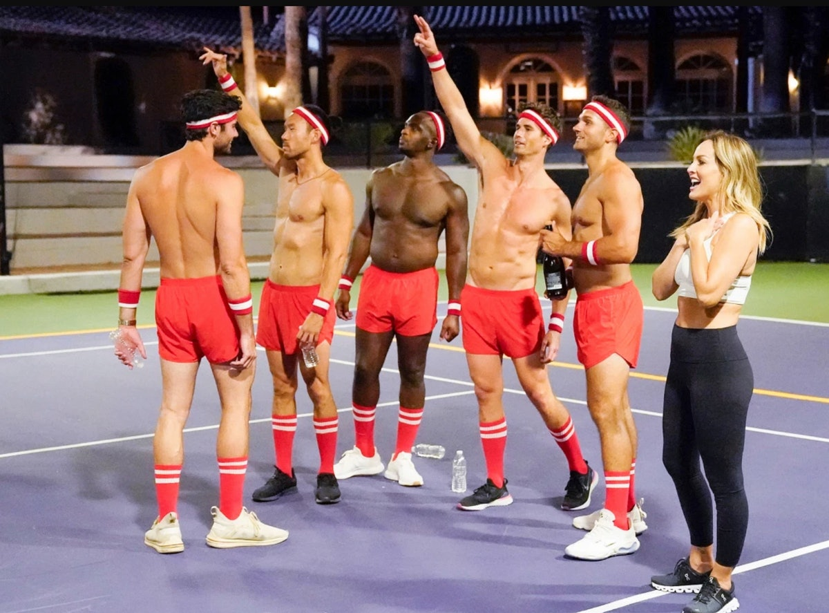 Clare Crawley and her cast on a bizarre group date during Season 16 of 'The Bachelorette'