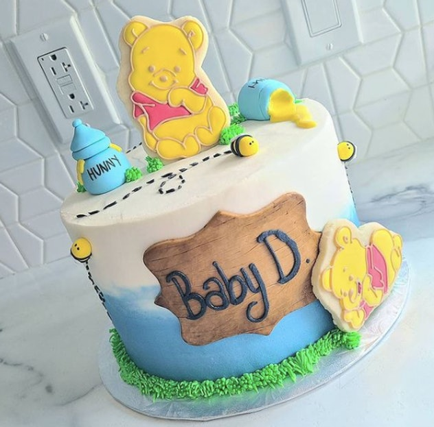Pooh Bear baby shower cake