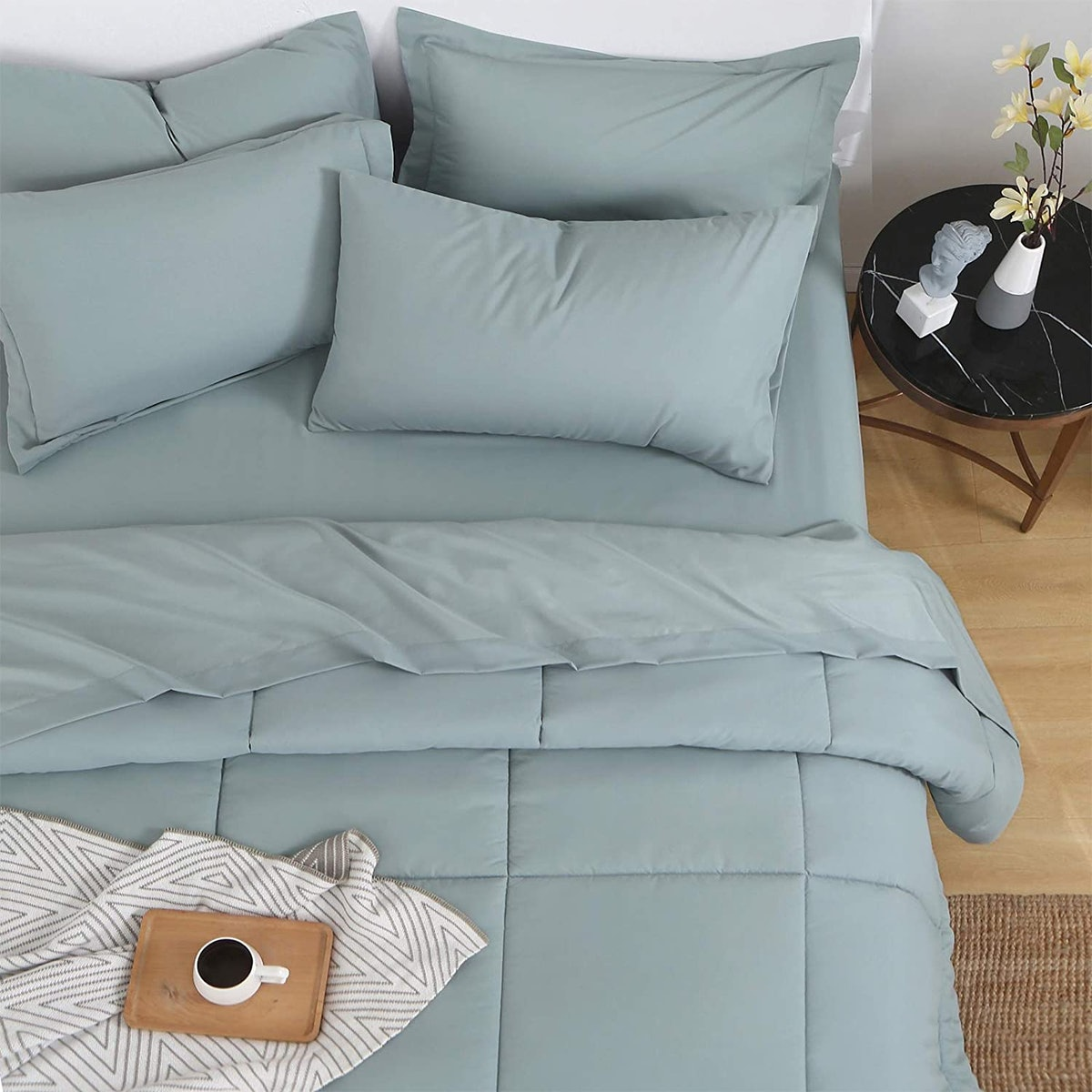 EMME Comforter Set (5 Piece)