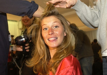 Gisele Bündchen getting her hair done