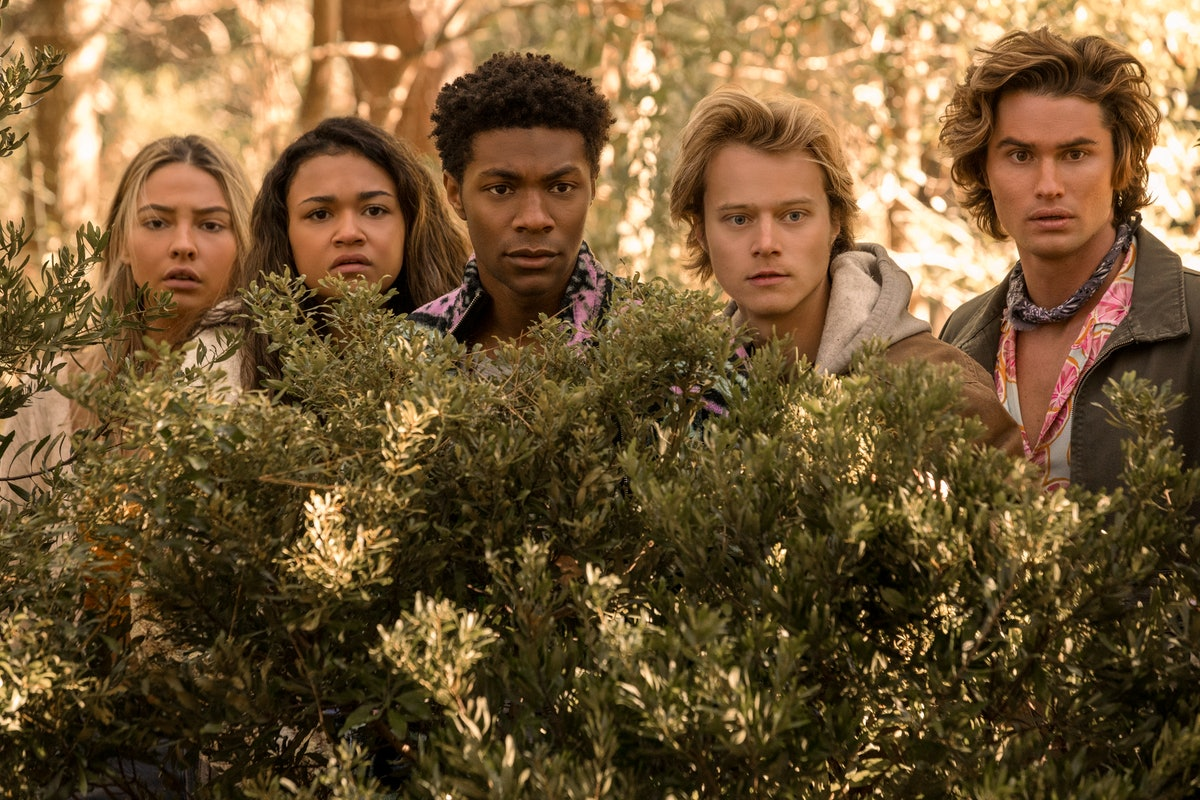 'Outer Banks' Season 2 characters Sarah, Kiara, Pope, JJ, and John B.