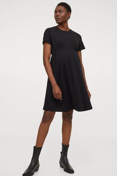 a black empire white t-shirt maternity dress