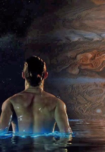 eddie redmayne in pool of water from jupiter ascending