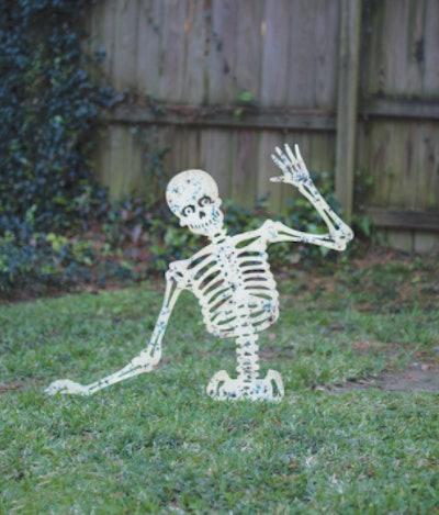 Skeleton yard decoration