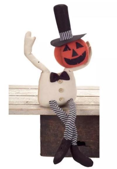 Mantle jack-o-lantern figurine