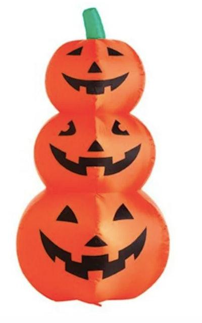 Blow up stacked pumpkin yard decoration