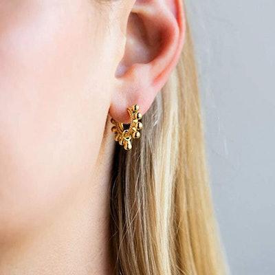 MEVECCO Huggie Hoop Earring