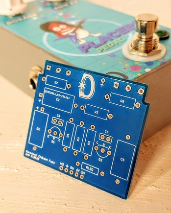 Chibson USA and Daredevil Pedals Placebo Pedal promo image with circuit board