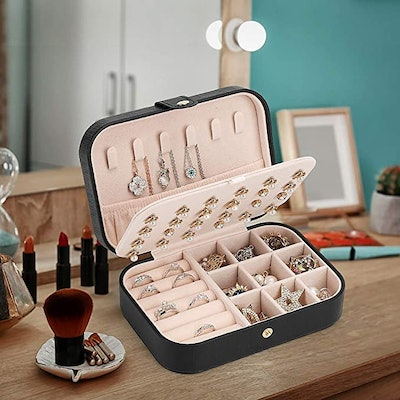 FEISCON Compact Jewelry Case