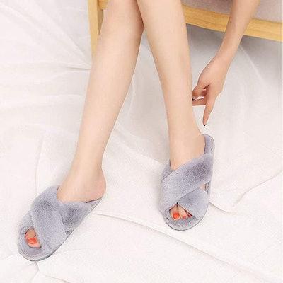 HUMIWA Faux Fur Slippers
