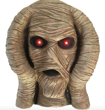 Mummy head with glowing eyes decoration