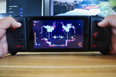Hori Split Pad Pro being used on the Nintendo Switch to play Scourge Bringer
