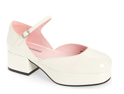 white mary jane platform shoes, patent leather, by Jeffrey Cambell