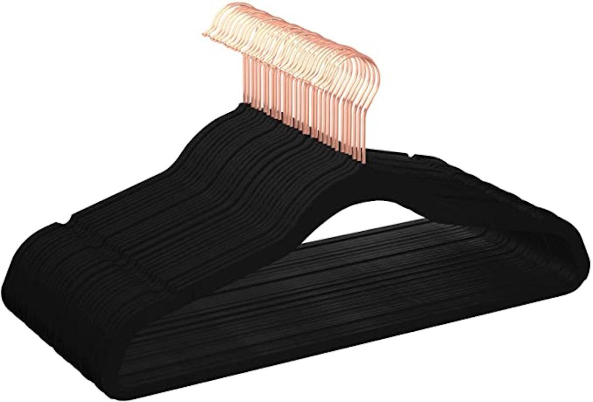 Amazon Basics Velvet Non-Slip Clothes Hangers (30-Pack)