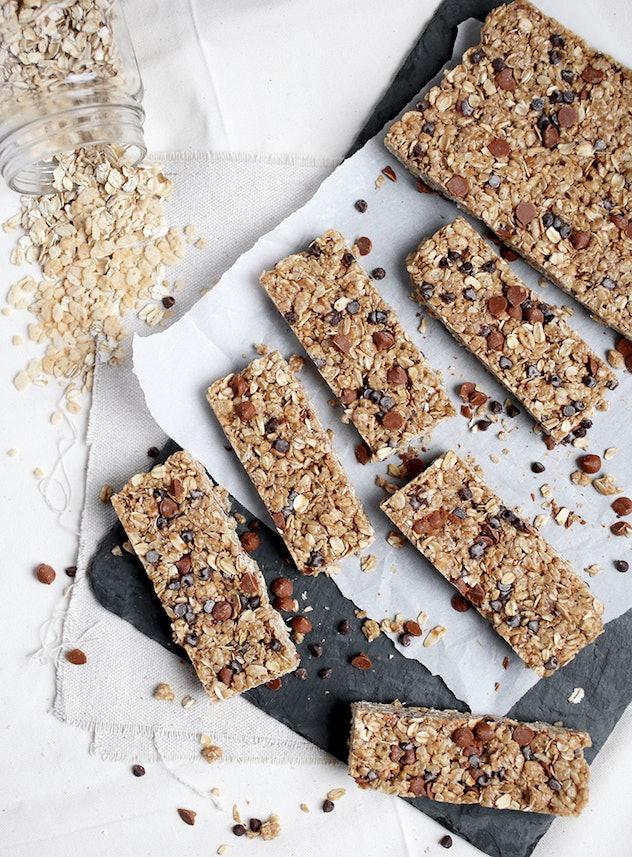 cinnamon peanut butter granola bars