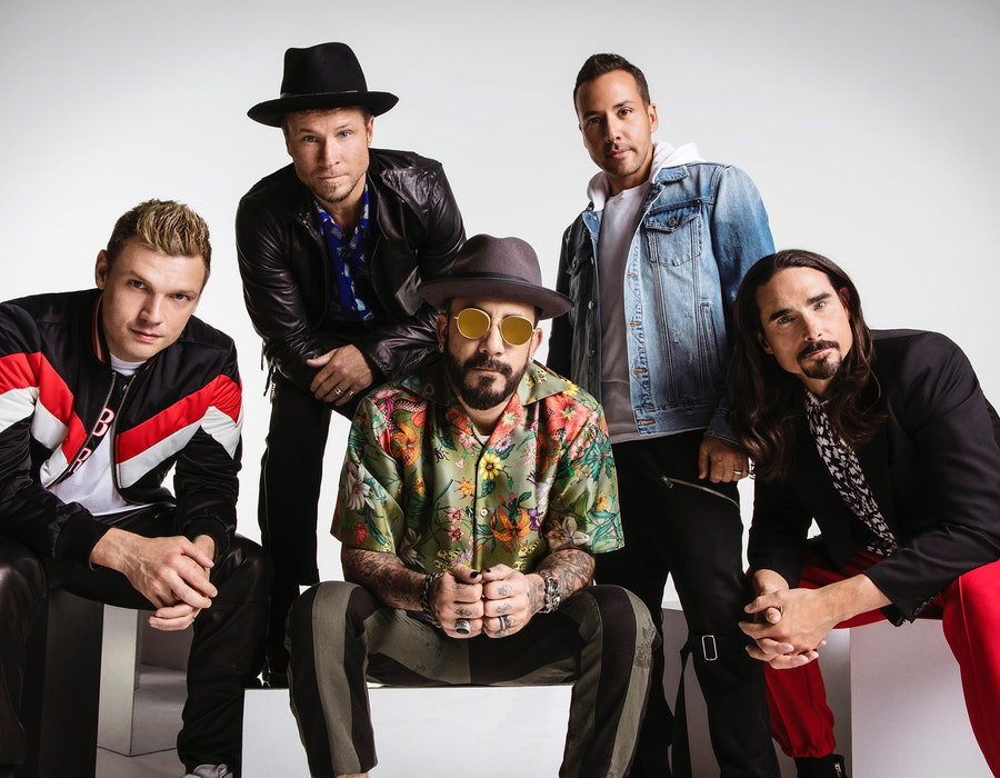 The Backstreet Boys have set dates for a Christmas show in Vegas.