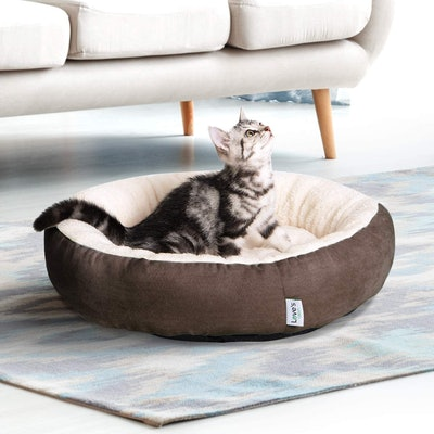 Love's Cabin Round Cushion Cat Bed