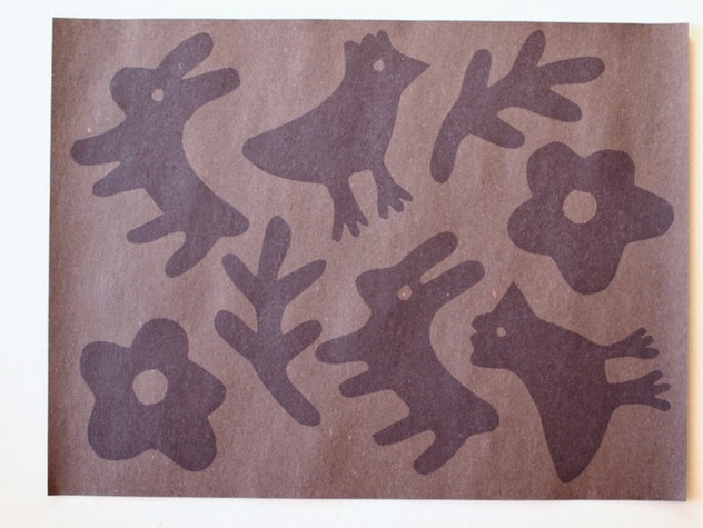 Sun prints are a fun construction paper craft to make.
