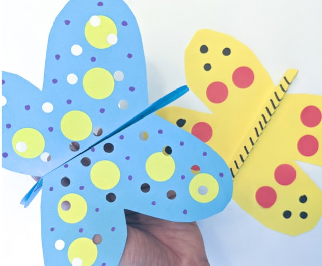Flapping paper butterflies are an easy construction paper craft to make with preschoolers.