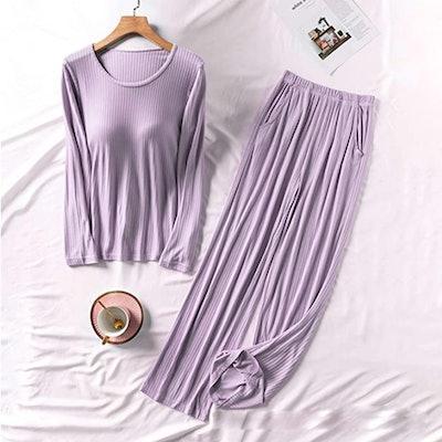 TAKOYI Long Sleeved Pajama Set With Built-In Bra