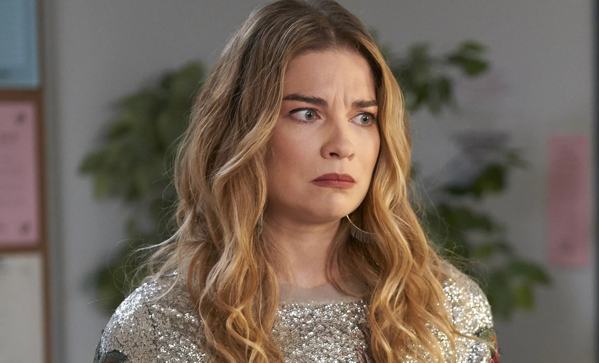 Annie Murphy will reunite with 'Schitt's Creek' writers for her new show 'Witness Protection.'
