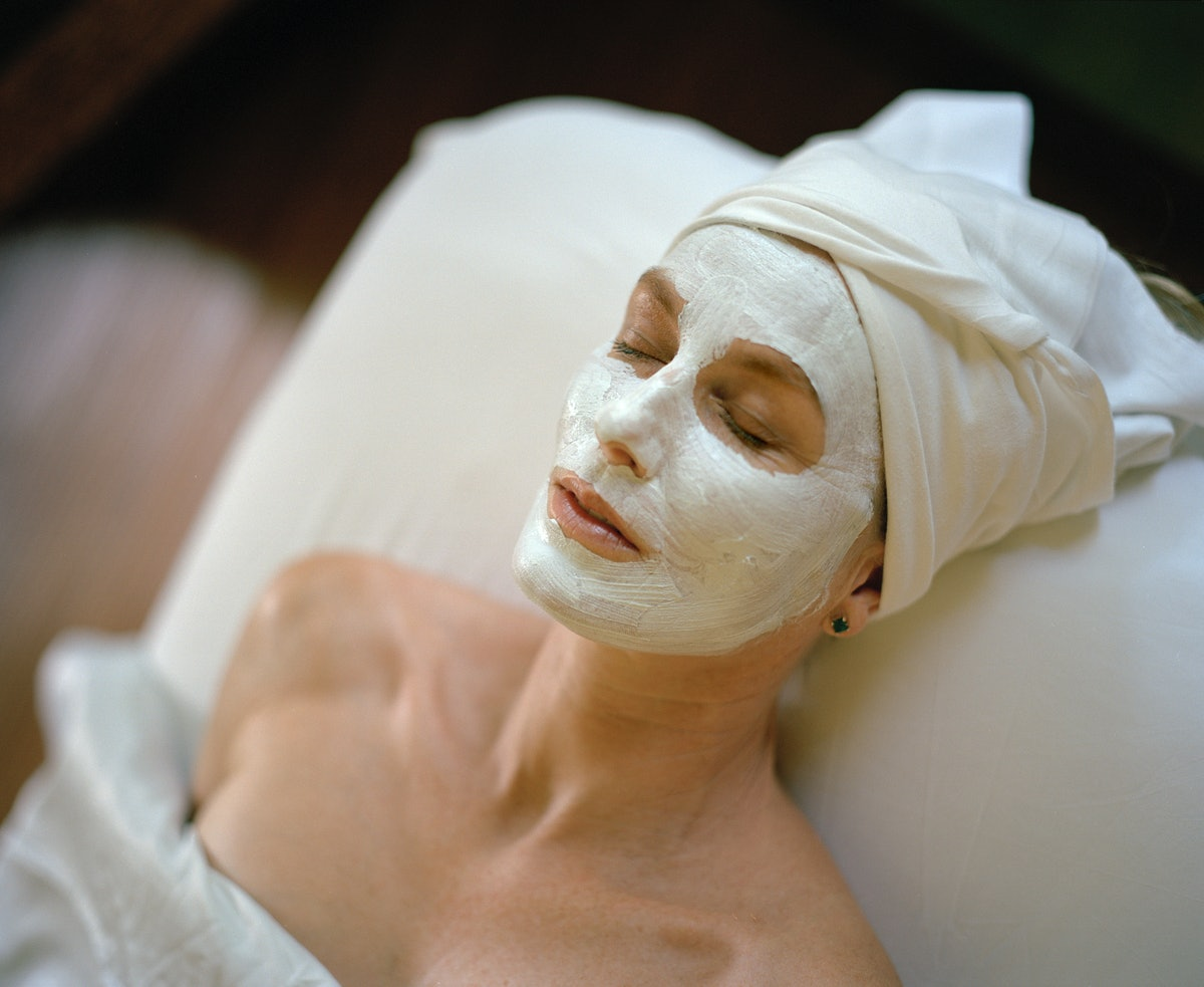 40s woman getting a facial