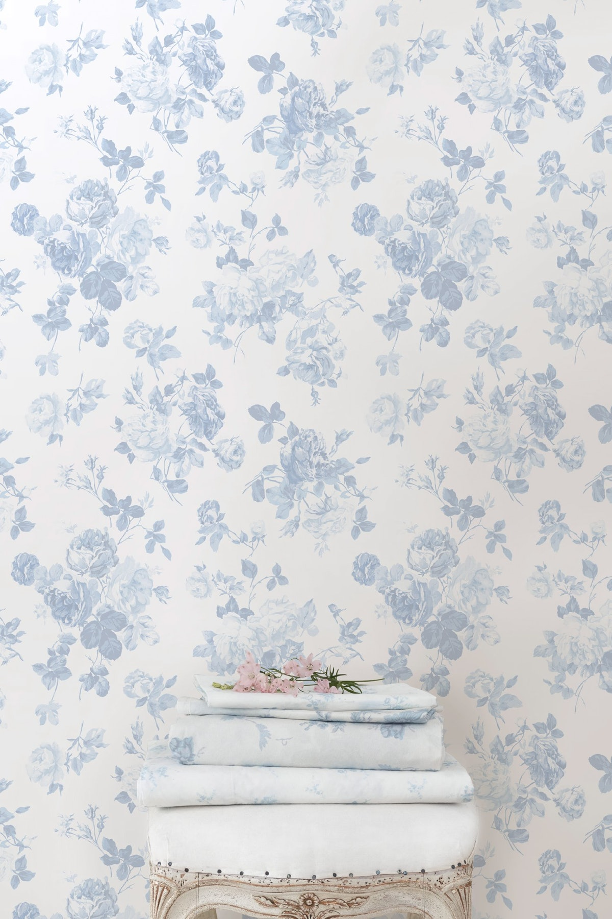 Everblooming Rosettes Wallpaper