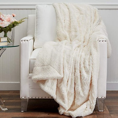The Connecticut Home Company Soft Faux Fur with Sherpa Throw Blanket