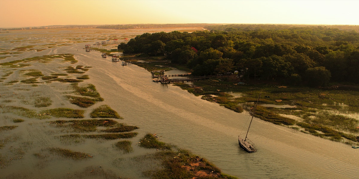 A boast (maybe filled with treasure) on Netflix's 'Outer Banks'