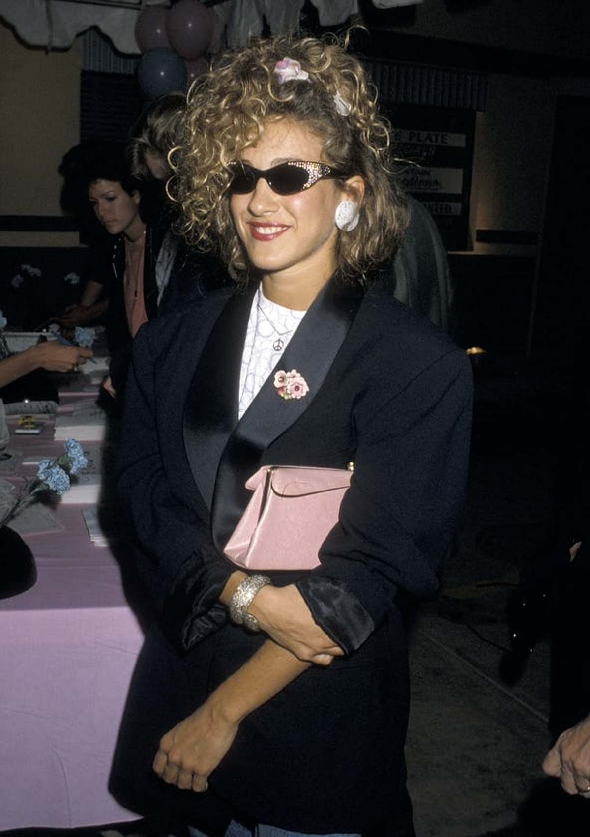 Sarah Jessica Parker with curly hair in 1987