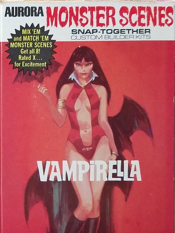 Vampirella Monster Scenes model kit box