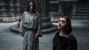 Arya and Jaqen H'ghar in the House of Black and White