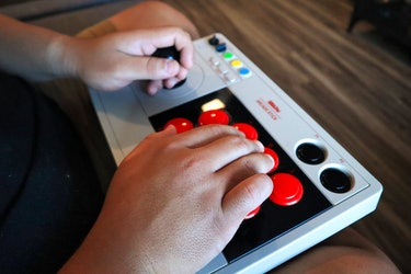 8BitDo Arcade Stick review for PS4 with Wingman XE converter for playing Virtua Fighter 5 and fighting games