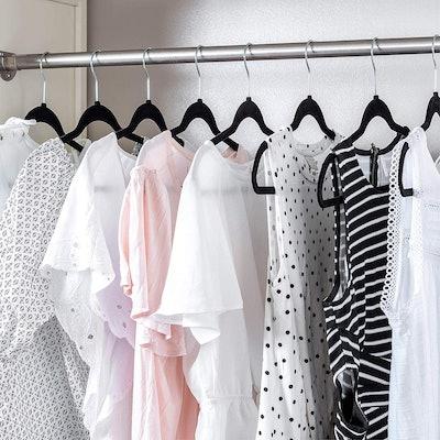 Zober Non-Slip Velvet Hangers (30 Pack)