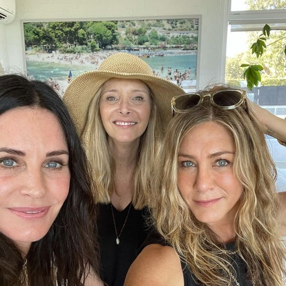 Courteney Cox, Jennifer Aniston, and Lisa Kudrow celebrated the Fourth of July together over the weekend. on