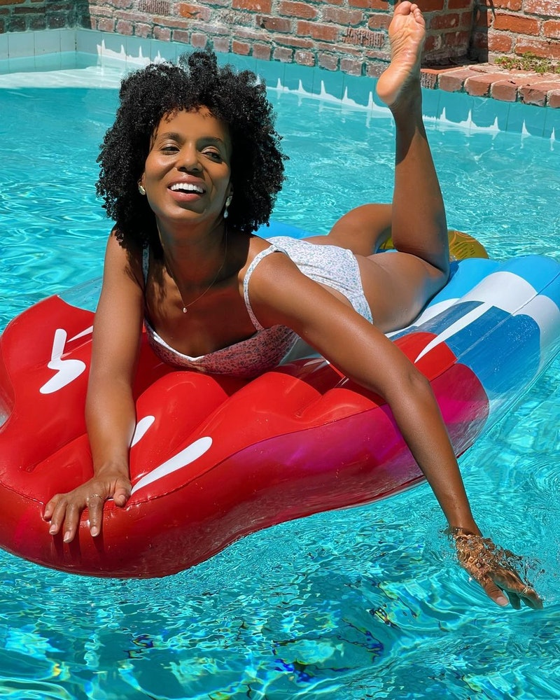 Kerry Washington lounges on a pool float while celebrating the 4th of July.