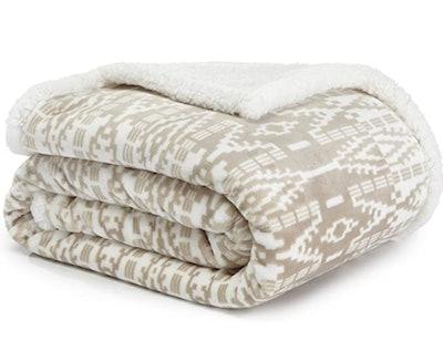 Eddie Bauer Ultra Plush Collection Throw Blanket