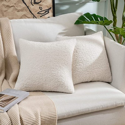 MIULEE Faux Fur Throw Pillow Covers (Set of 2)