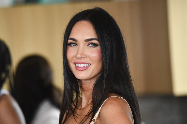 """Megan Fox Says Calling MGK Her """"Younger Man"""" Is A Double Standard"""
