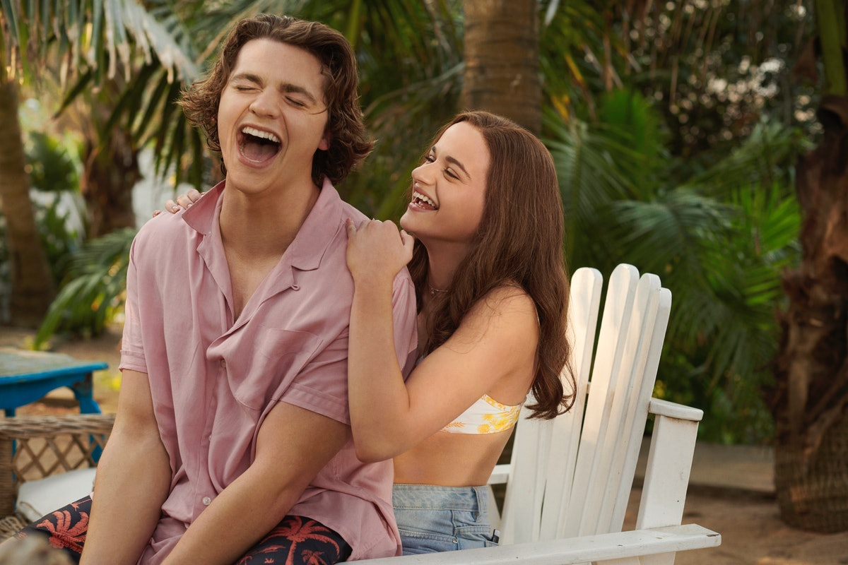 Joey King as Elle and Joel Courtney as Lee in Netflix's 'The Kissing Booth 3'