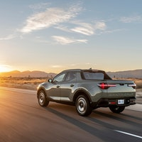 Hyundai Santa Cruz release date, price, specs, and towing capacity for the 2022 SUV-pickup truck hyb...