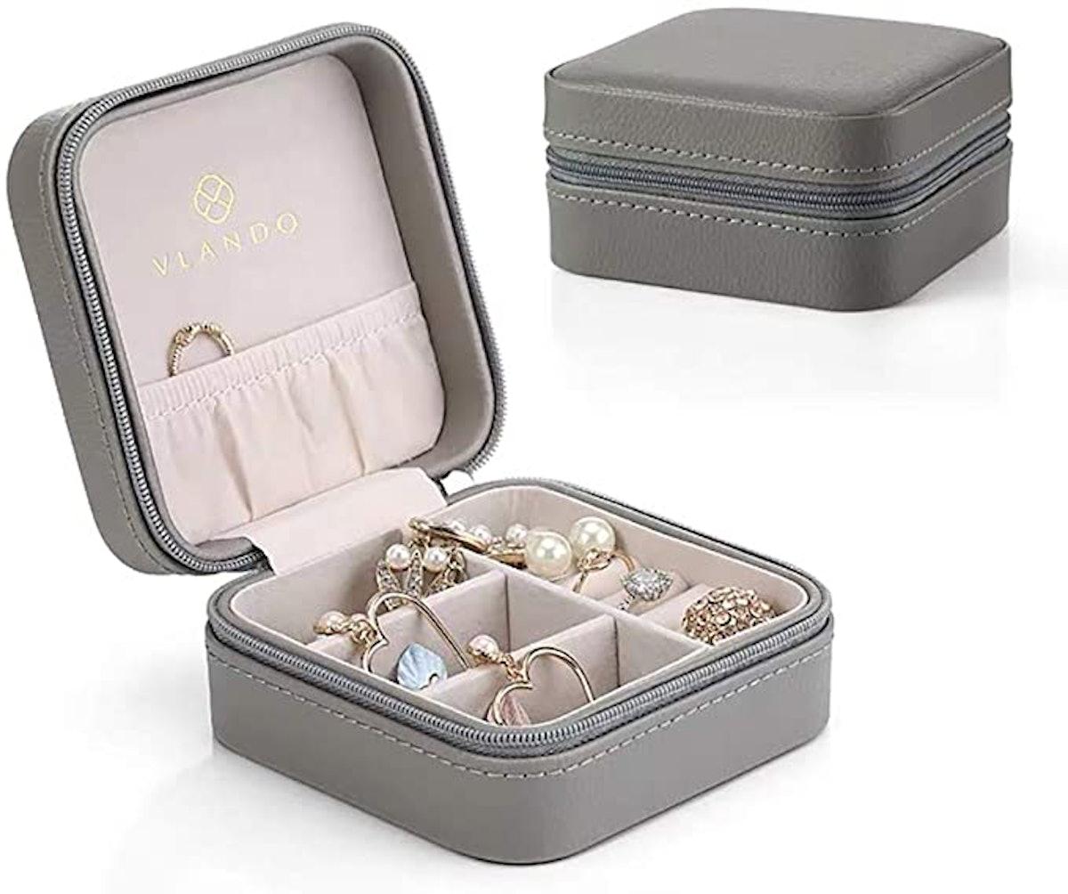 Vlando Faux Leather Jewelry Box Organizer