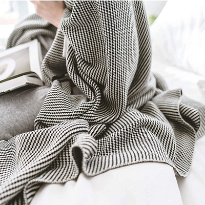 Cotton Lovers Plush Fleece Throw Blanket